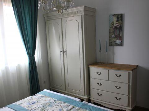 Тристаен апартамент - 11Б